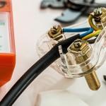 sähköstimmaus on itsetyydytystä sähkölaitteella, joka stimuloi sähköimpulsseilla